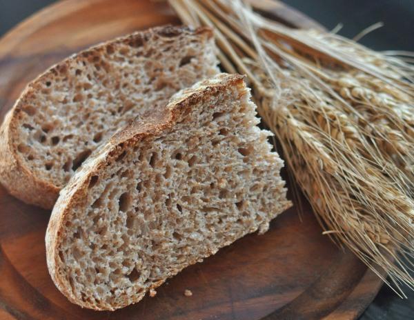 Хлеб – полезные свойства и возможный вред, состав ржаного, бездрожжевого, белого, черного, цельнозернового, мука. Какой хлеб лучше есть