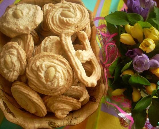 Диетическое печенье. Рецепты из овсяных хлопьев и масла, с творогом, на кефире, из овсянки и банана. Как приготовить низкокалорийное печенье