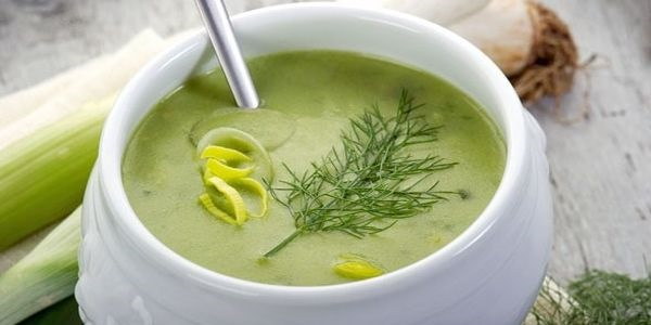 Суп из сельдерея для похудения. Пошаговые рецепты постные, с луком, капустой, болгарским перцем, помидорами
