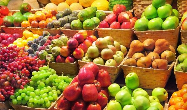 Калорийность фруктов, таблица БЖУ, пищевая ценность, полезные свойства свежих, сушеных, компота. Диета