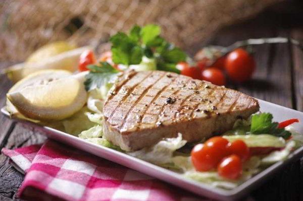 Тунец. Рецепты приготовления с фото в духовке, с овощами
