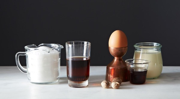 Гоголь-моголь. Рецепт, как приготовить классический из яиц, сахара, алкогольный, с какао от кашля
