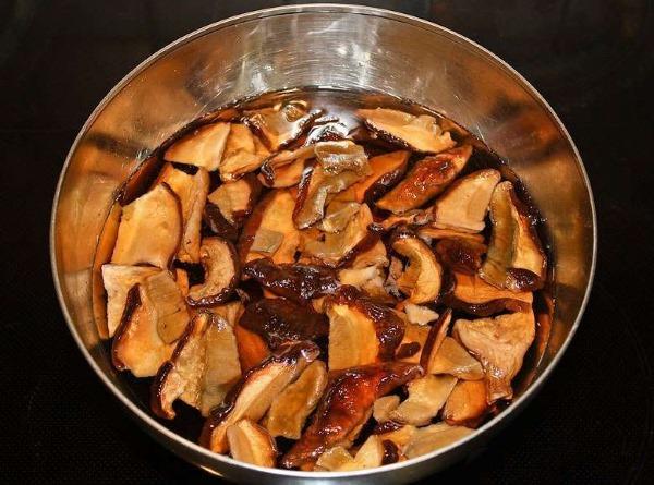 Блюда из кролика в духовке, мультиварке. Рецепты, приготовление