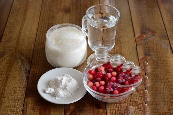 Кисель. Рецепт из крахмала и замороженных ягод для детей, густой, жидкий