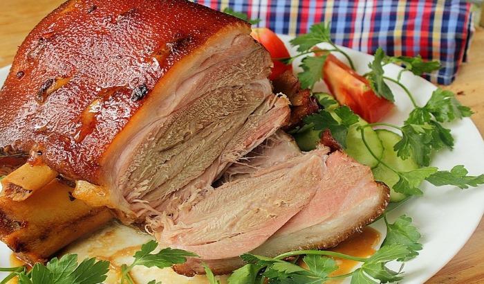 Мясо лося. Польза, рецепты приготовления с фото пошагово в духовке, мультиварке, на сковороде