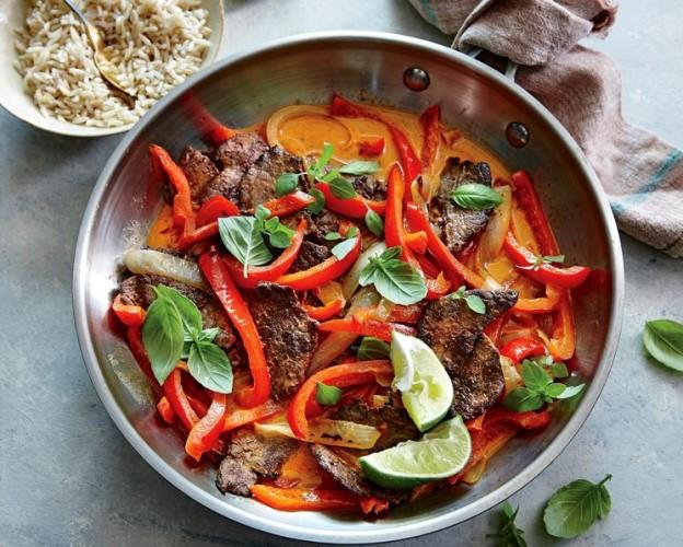 Мясо по-тайски. Рецепт с соевым соусом, огурцом, болгарским перцем, медом и лимоном пошагово с фото