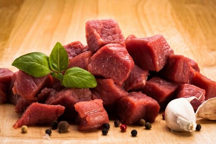 Как приготовить тушенку из говядины. Рецепт в духовке, в стеклянной банке, кастрюле в домашних условиях