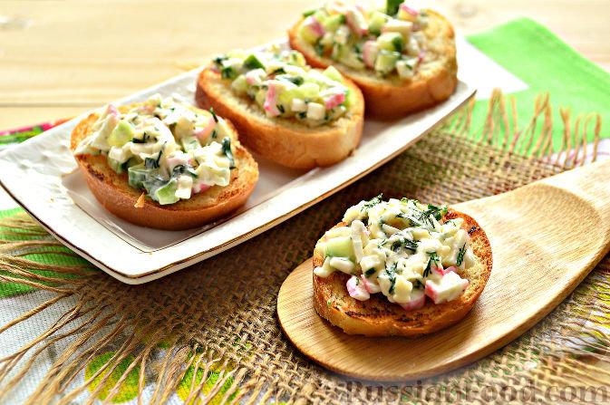 Салат крабовый. Как приготовить, рецепт классический с кукурузой, рисом, огурцом, сыром, капустой