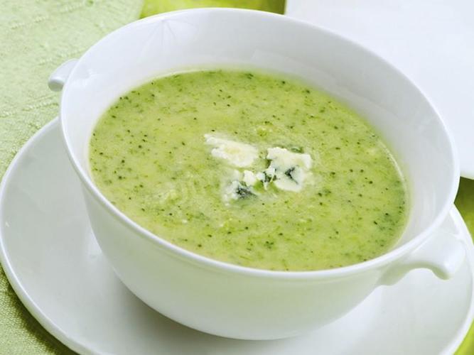 Суп пюре из брокколи со сливками, плавленным сыром. Калорийность, рецепт приготовления пошагово с фото