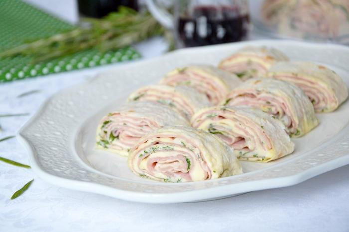 Рецепты закусок из лаваша с начинкой. Простые и вкусные, запеченные