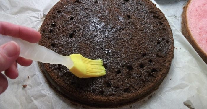 Сиропы для пропитки бисквита. Рецепт классический, лимонный, сахарный, с коньяком