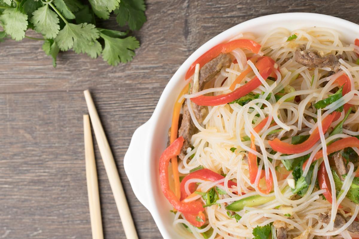 Рецепты мясных салатов с картинками увидите ужей