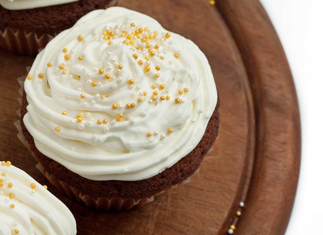 Как сделать белковый крем густым для торта, трубочек, чтобы держал форму, без миксера