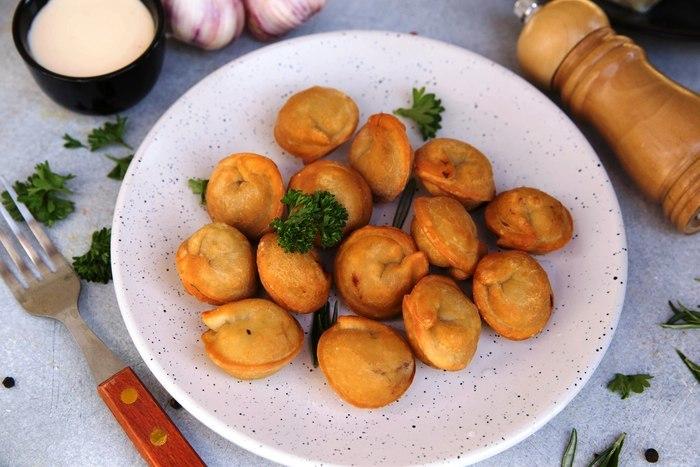 Жареные пельмени на сковороде. Как приготовить, рецепт пошагово с фото