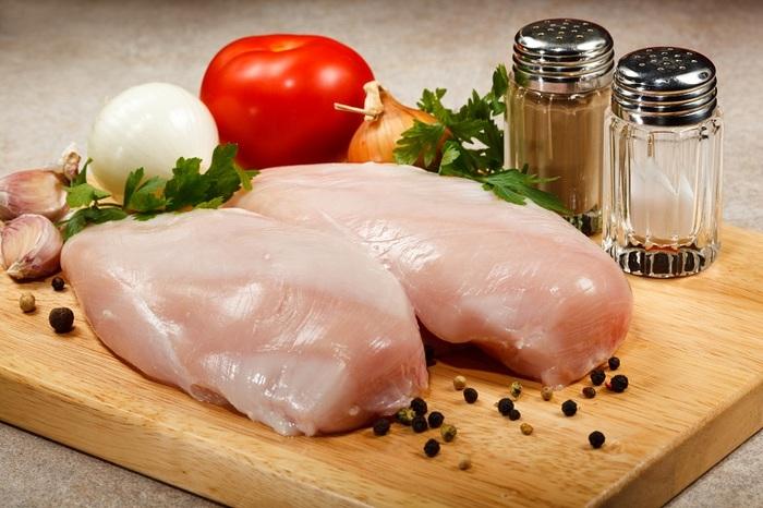 Грудка куриная. Рецепты на сковороде жареной с овощами, в сметане, кляре, простая и вкусная