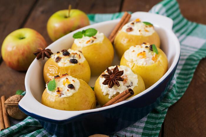 Как запечь яблоки в мультиварке целиком для ребенка, кормящей мамы, без начинки и с ней