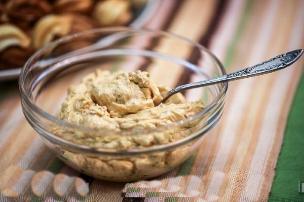 Крем из сгущенки и сливочного масла, сметаны. Как приготовить пошагово, рецепт с фото