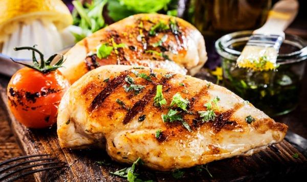 Куриная грудка, запеченная в духовке. Калорийность, бжу, рецепты, как употреблять на диете