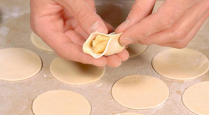 Вареники с картошкой. Рецепт с фото: тесто на кефире, с грибами, луком, ленивые