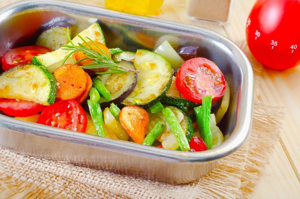 Тушеные овощи. Калорийность на 100 грамм на воде, с маслом, в собственном соку. Таблица