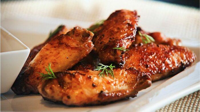 Жареные крылышки на сковороде. Рецепты, как приготовить пошагово с фото