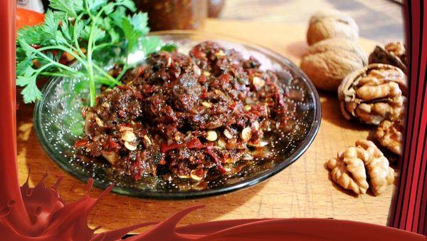 Аджика из помидор и чеснока. Рецепт классический абхазская, острая с перцем на зиму