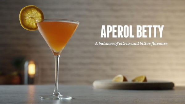 Коктейль Апероль шприц. Рецепт классический, пропорции, как приготовить дома. Фото