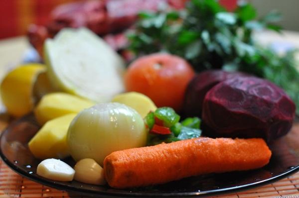 Борщ на зиму в банках. Рецепты с капустой, томатной пастой, перловкой, огурцами