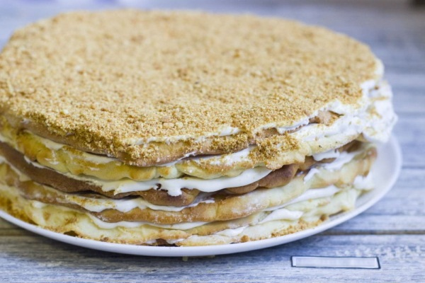 Торт медовик. Классический рецепт с заварным кремом, сметаной, сгущенкой, секретом