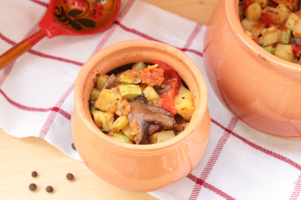 Овощное рагу на зиму с мясом, картошкой, кабачками, капустой, баклажанами. Рецепты с фото