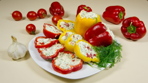 Перец фаршированный. Калорийность на 100 грамм, как приготовить в духовке, мультиварке, рецепты