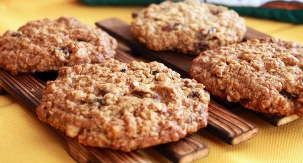 Овсяное печенье из овсяных хлопьев, муки, Геркулеса. Рецепт, как приготовить классическое, мягкое, диетическое, постное, на кефире