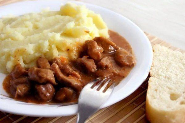 Пюре картофельное. Калорийность на 100 грамм, одной порции на молоке, воде с маслом