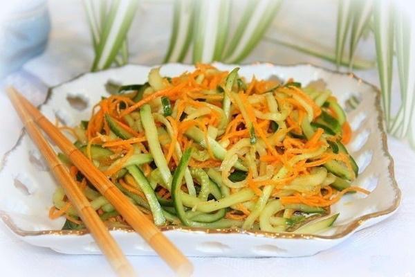 Морковь по-корейски. Калорийность на 100 грамм, белки, жиры, углеводы, польза и вред