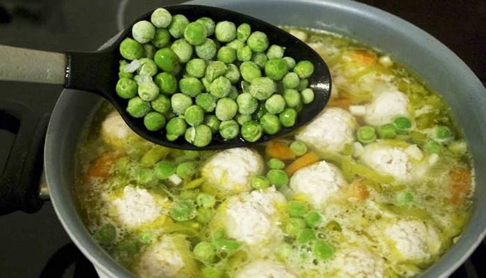 Суп с фрикадельками. Калорийность, БЖУ, рецепты с картошкой, лапшой, вермишелью, рисом