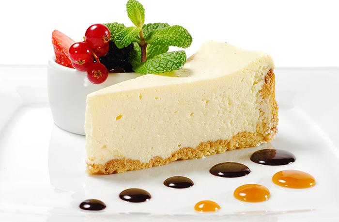 ПП чизкейк без выпечки. Рецепт из творога, овсянки, рикотты с клубникой, вишней, желатином, творожным сыром