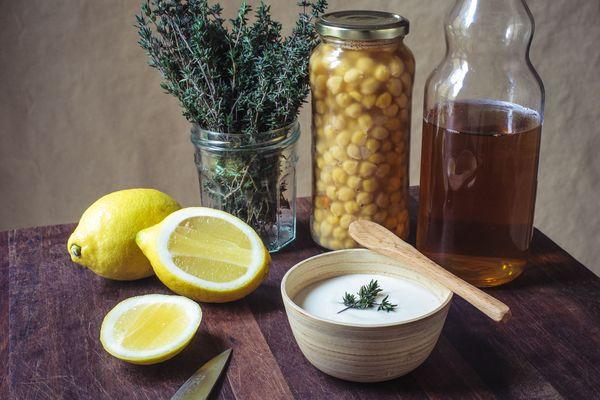 Майонез ПП (правильного питания). Рецепт из йогурта греческого, сметаны, горчицы, желтка, творога. Фото