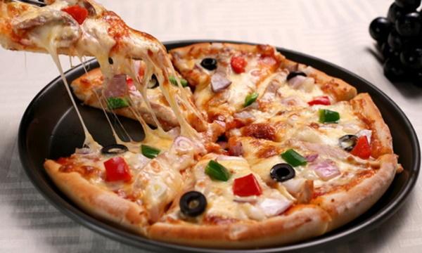 ПП пицца на сковороде, в мультиварке, духовке, из куриной грудки, кабачка, лаваша, фарша на творожном тесте, овсяноблине