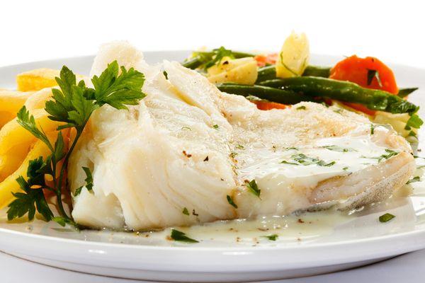 Рыба хек. Фото, польза и вред, калорийность на 100 грамм жареная, отварная, запеченная. Рецепты