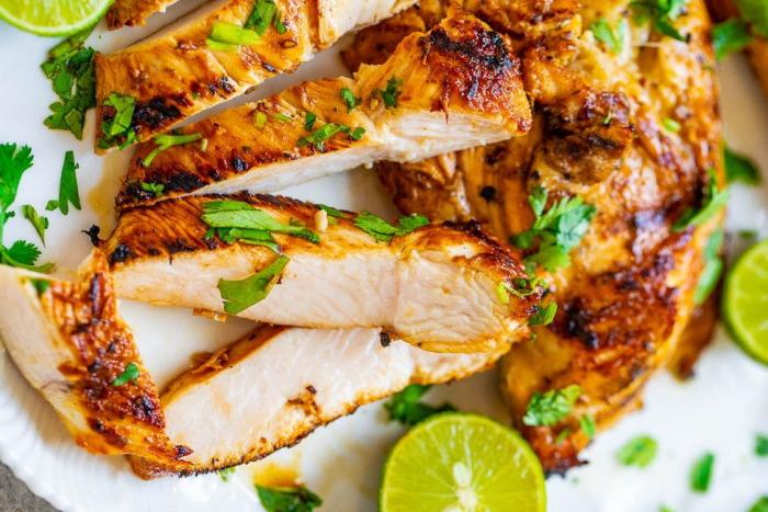 Куриная грудка: БЖУ на 100 грамм, калорийность на 100 грамм, диетические рецепты